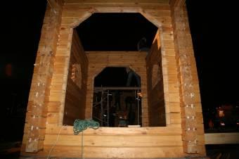 Возведены стены притвора храма
